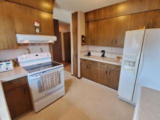 Photo 12: 5704 42 Avenue: Camrose Detached for sale : MLS®# A1138274