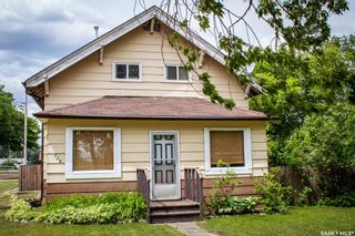 Photo 2: 229 4th Street in Star City: Residential for sale : MLS®# SK850321