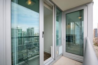 """Photo 9: 2005 590 NICOLA Street in Vancouver: Coal Harbour Condo for sale in """"The Cascina - Waterfront Place"""" (Vancouver West)  : MLS®# R2602929"""