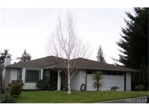 Main Photo: 3319 Haida Dr in VICTORIA: Co Triangle House for sale (Colwood)  : MLS®# 329598