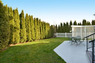 Photo 3: 16777 57A Avenue in Surrey: Cloverdale BC House for sale (Cloverdale)  : MLS®# F1434225