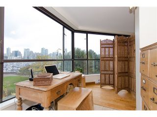 """Photo 37: 202 1490 PENNYFARTHING Drive in Vancouver: False Creek Condo for sale in """"HARBOUR COVE"""" (Vancouver West)  : MLS®# V977927"""