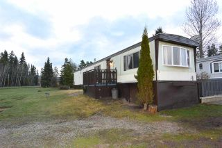 """Photo 1: 21 95 LAIDLAW Road in Smithers: Smithers - Rural Manufactured Home for sale in """"MOUNTAIN VIEW MOBILE HOME PARK"""" (Smithers And Area (Zone 54))  : MLS®# R2256996"""