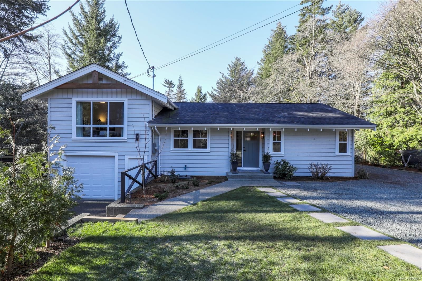 Main Photo: 271 Glacier View Dr in : CV Comox (Town of) House for sale (Comox Valley)  : MLS®# 865844