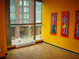 Photo 6: 202 928 Richards St in The Savoy: Downtown Home for sale ()