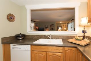 """Photo 9: 228 1830 MAMQUAM Road in Squamish: Northyards Manufactured Home for sale in """"TIMBERTOWN"""" : MLS®# R2236311"""
