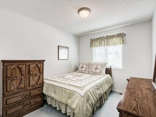 Photo 32: 54 Signature Close SW in Calgary: Signal Hill Detached for sale : MLS®# A1138139
