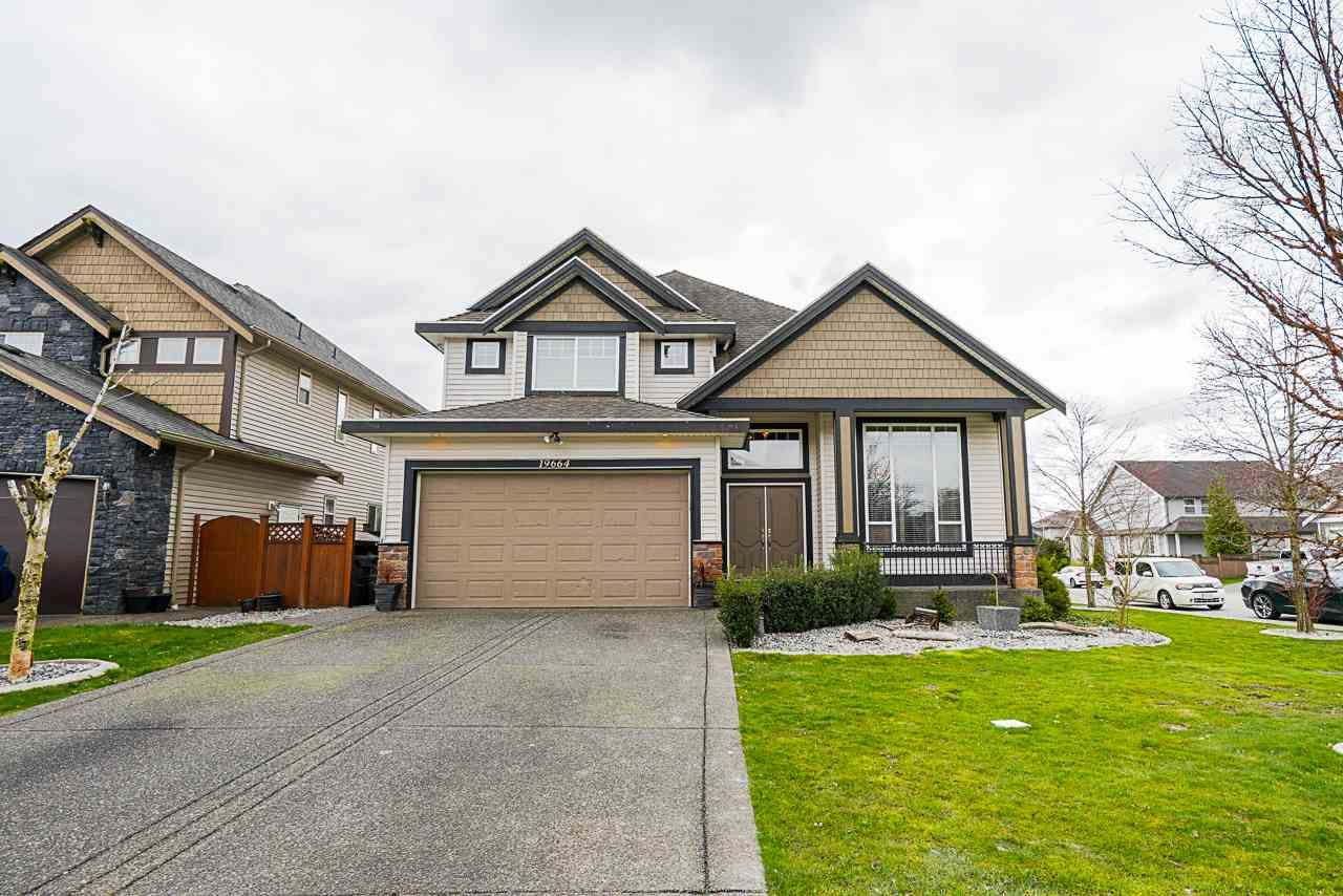 """Main Photo: 19664 71A Avenue in Langley: Willoughby Heights House for sale in """"Willoughby"""" : MLS®# R2559298"""