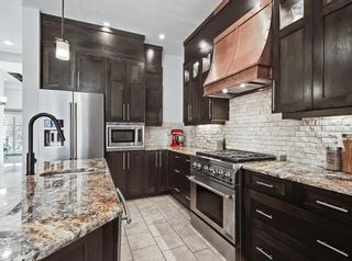 Photo 5: 413 31 Avenue NW in Calgary: Mount Pleasant Semi Detached for sale : MLS®# A1104669