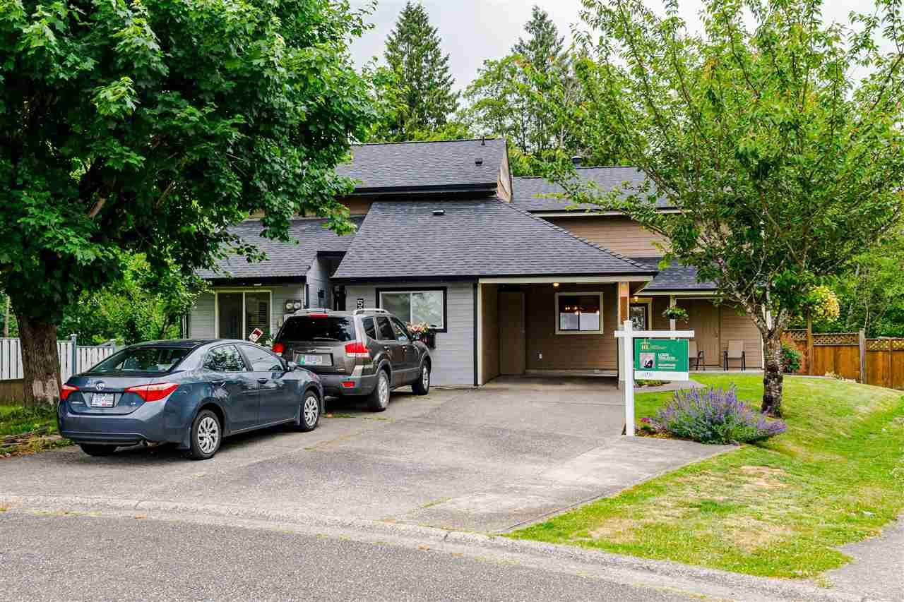 Main Photo: 5380 198A Street in Langley: Langley City 1/2 Duplex for sale : MLS®# R2592168