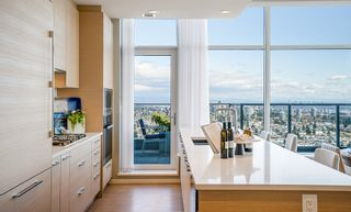 """Photo 10: 3805 6700 DUNBLANE Avenue in Burnaby: Metrotown Condo for sale in """"Vittorio by Polygon"""" (Burnaby South)  : MLS®# R2558469"""