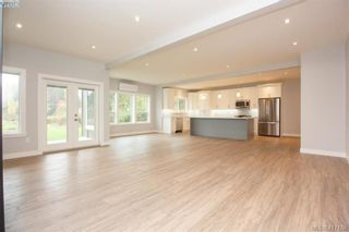 Photo 8: 1037 Sandalwood Crt in VICTORIA: La Luxton House for sale (Langford)  : MLS®# 827604