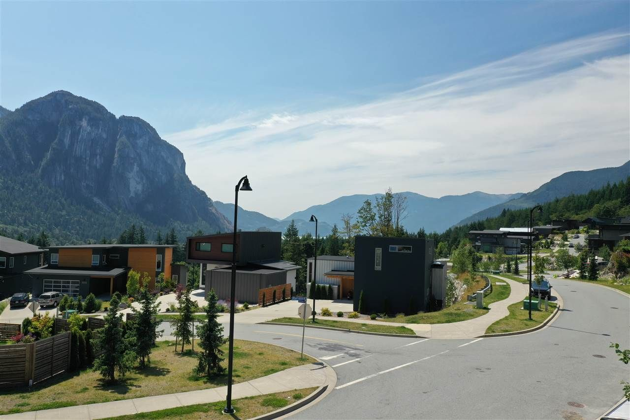 """Main Photo: 2199 CRUMPIT WOODS Drive in Squamish: Plateau Land for sale in """"Crumpit Woods"""" : MLS®# R2383880"""