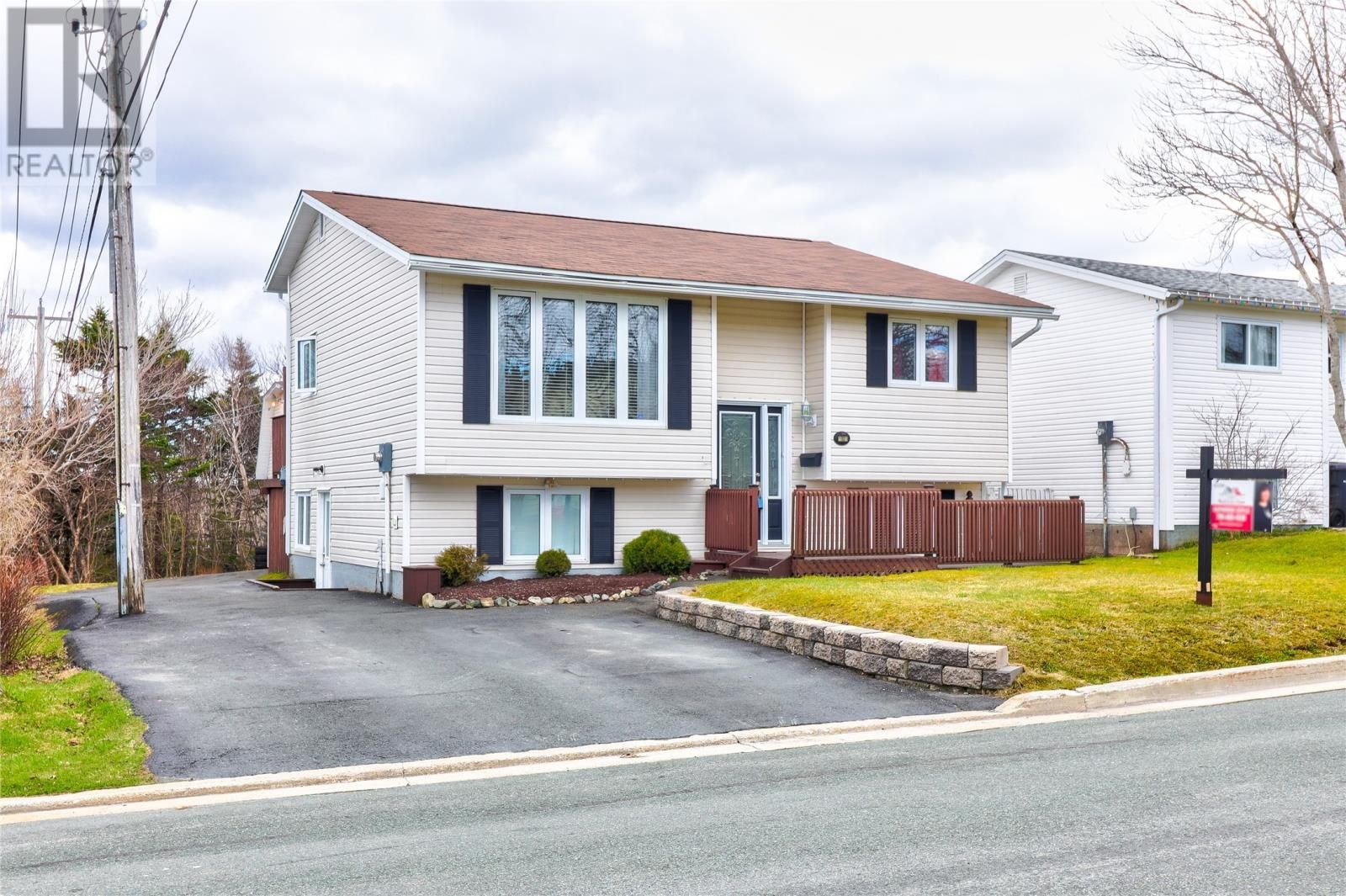 Main Photo: 12 Blandford Place in Mount Pearl: House for sale : MLS®# 1229687