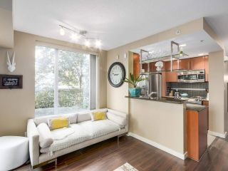 Photo 3: 1438 SEYMOUR MEWS in Vancouver: Yaletown Townhouse for sale (Vancouver West)  : MLS®# R2201290