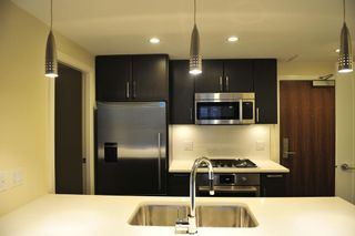 Photo 1: 705 88 1ST AVENUE in Vancouver West: False Creek Home for sale ()  : MLS®# R2034242