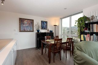 """Photo 9: 2301 3007 GLEN Drive in Coquitlam: North Coquitlam Condo for sale in """"Evergreen"""" : MLS®# R2558323"""