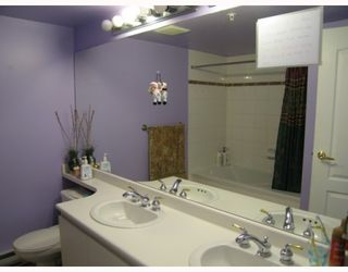 """Photo 7: 1 6119 COONEY Road in Richmond: Brighouse Townhouse for sale in """"ROSARIO GARDEN"""" : MLS®# V763268"""