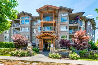 """Photo 1: 307 3110 DAYANEE SPRINGS Boulevard in Coquitlam: Westwood Plateau Condo for sale in """"LEDGEVIEW"""" : MLS®# R2229127"""