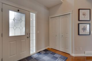 Photo 2: 52 Springbluff Lane SW in Calgary: Springbank Hill Detached for sale : MLS®# A1043718