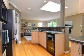 "Photo 7: 11057 WESTRIDGE Place in Delta: Sunshine Hills Woods House for sale in ""Sunshine Village"" (N. Delta)  : MLS®# R2298594"