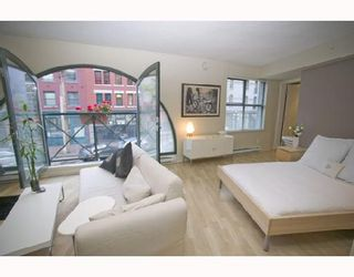 """Photo 6: 207 55 ALEXANDER Street in Vancouver: Downtown VE Condo for sale in """"GASTOWN"""" (Vancouver East)  : MLS®# V745072"""