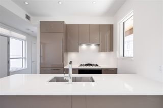 """Photo 9: 5209 CAMBIE Street in Vancouver: Cambie Townhouse for sale in """"Contessa"""" (Vancouver West)  : MLS®# R2552513"""