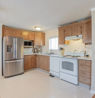 Photo 3: 152 2500 GRANT Road in Prince George: Hart Highway Manufactured Home for sale (PG City North (Zone 73))  : MLS®# R2608988