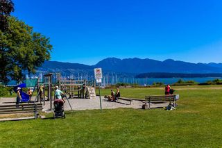 """Photo 19: 311 3875 W 4TH Avenue in Vancouver: Point Grey Condo for sale in """"Landmark"""" (Vancouver West)  : MLS®# R2567957"""
