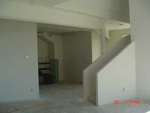 Photo 5: Photos: 309 520 Portage Avenue in WINNIPEG: Central Winnipeg Condominium for sale : MLS®# 2703044
