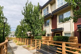"""Photo 2: 25 19477 72A Avenue in Surrey: Clayton Townhouse for sale in """"Sun at 72"""" (Cloverdale)  : MLS®# R2094312"""