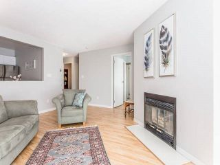 """Photo 3: 3209 33 CHESTERFIELD Place in North Vancouver: Lower Lonsdale Condo for sale in """"HARBOURVIEW PARK"""" : MLS®# R2008580"""