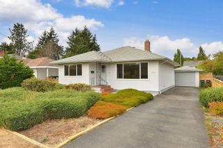 Photo 2: 1960 CARNARVON St in : SE Camosun House for sale (Saanich East)  : MLS®# 884485
