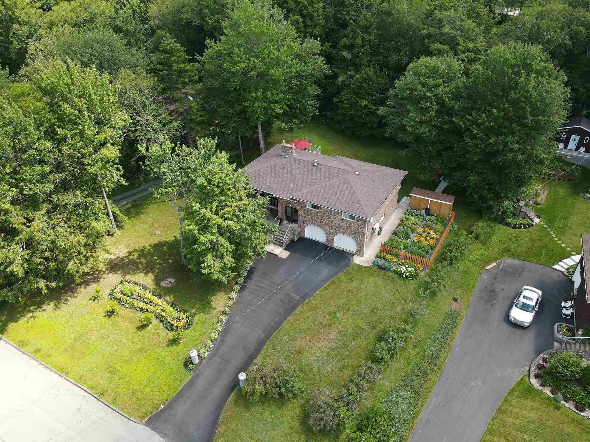 Main Photo: 96 Howe Avenue in Fall River: 30-Waverley, Fall River, Oakfield Residential for sale (Halifax-Dartmouth)  : MLS®# 202121965