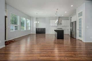 Photo 7: 27581 27A Avenue in Langley: Aldergrove Langley House for sale : MLS®# R2586772