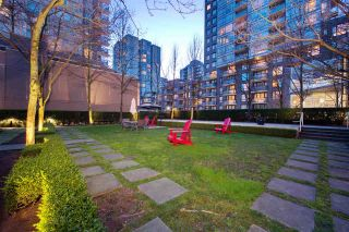 "Photo 19: 1008 1001 RICHARDS Street in Vancouver: Downtown VW Condo for sale in ""THE MIRO"" (Vancouver West)  : MLS®# R2394358"