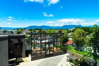 """Photo 3: 808 2689 KINGSWAY in Vancouver: Collingwood VE Condo for sale in """"SKYWAY TOWER"""" (Vancouver East)  : MLS®# R2268899"""