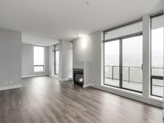 """Photo 5: 2002 2959 GLEN Drive in Coquitlam: North Coquitlam Condo for sale in """"THE PARC"""" : MLS®# R2213475"""