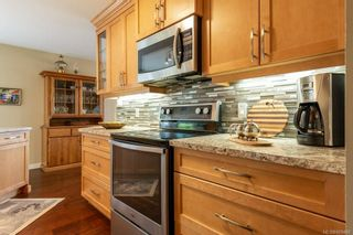 Photo 3: 542 Steenbuck Dr in : CR Campbell River Central House for sale (Campbell River)  : MLS®# 869480