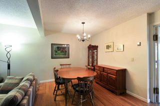 """Photo 4: 8895 FINCH Court in Burnaby: Forest Hills BN Townhouse for sale in """"PRIMROSE HILL"""" (Burnaby North)  : MLS®# R2061604"""