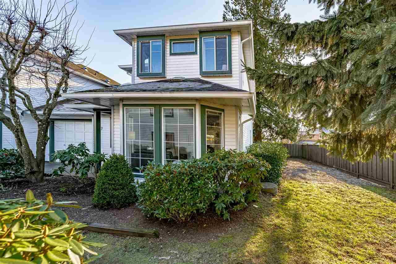 Main Photo: 7 19060 119 AVENUE in Pitt Meadows: Central Meadows Townhouse for sale : MLS®# R2533407