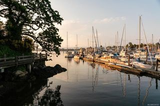 Photo 13: 1C 835 Dunsmuir Rd in Esquimalt: Es Esquimalt Condo for sale : MLS®# 839193