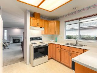 """Photo 11: 101 14220 19A Avenue in Surrey: Sunnyside Park Surrey Townhouse for sale in """"Ocean Bluff Court"""" (South Surrey White Rock)  : MLS®# R2326003"""