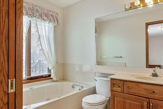 Photo 15: 850 37 Street NW in Calgary: Parkdale Detached for sale : MLS®# C4297148