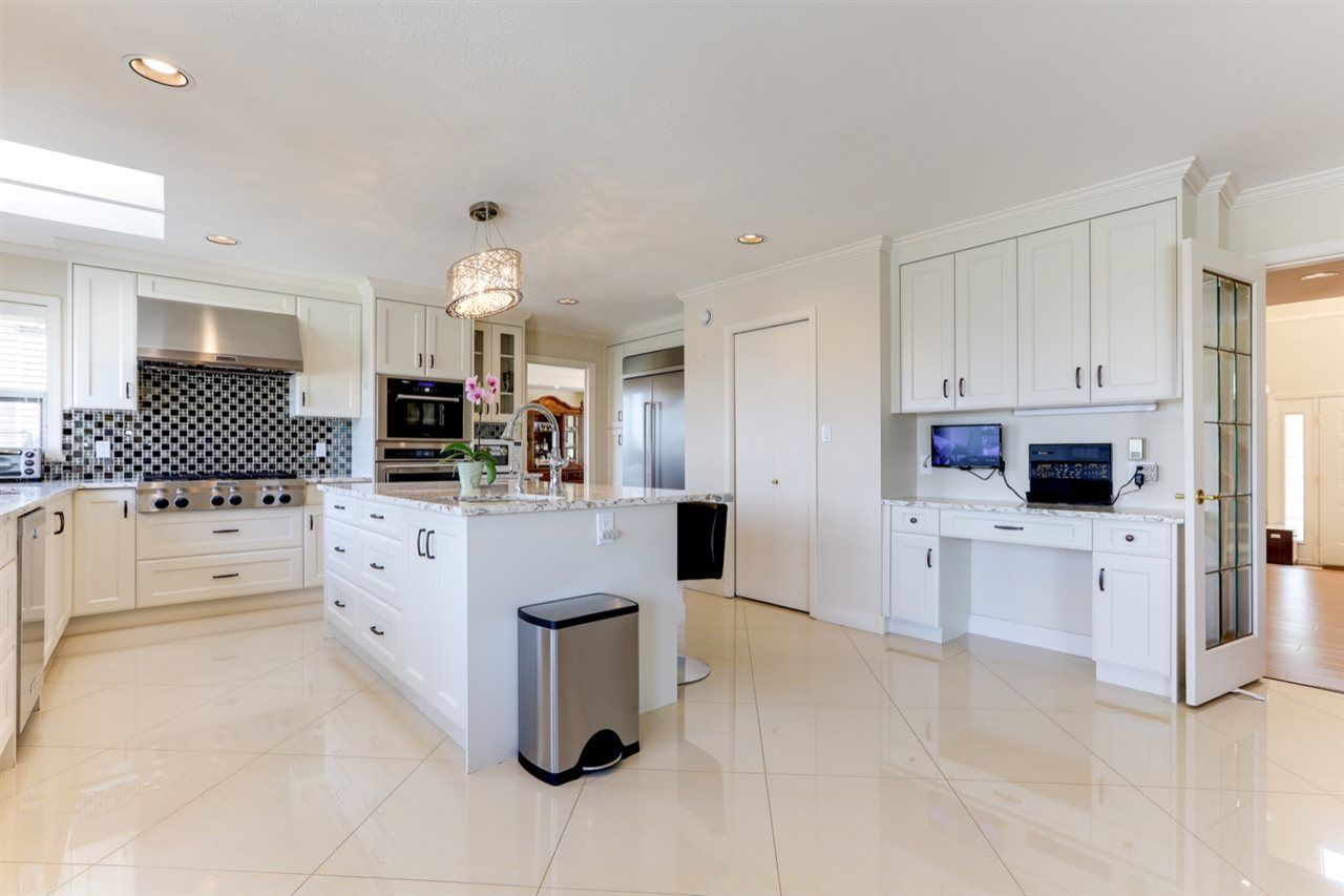"""Photo 7: Photos: 342 ROSEHILL Wynd in Delta: Pebble Hill House for sale in """"ROSEHILL"""" (Tsawwassen)  : MLS®# R2563292"""