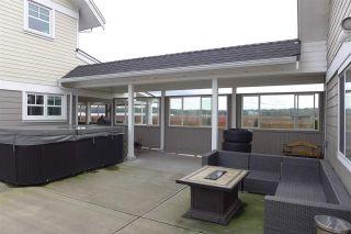 Photo 3: 3892 180 Street in Surrey: Serpentine House for sale (Cloverdale)  : MLS®# R2430266