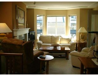Photo 3: PH2 5723 BALSAM Street in Vancouver: Kerrisdale Condo for sale (Vancouver West)  : MLS®# V766127