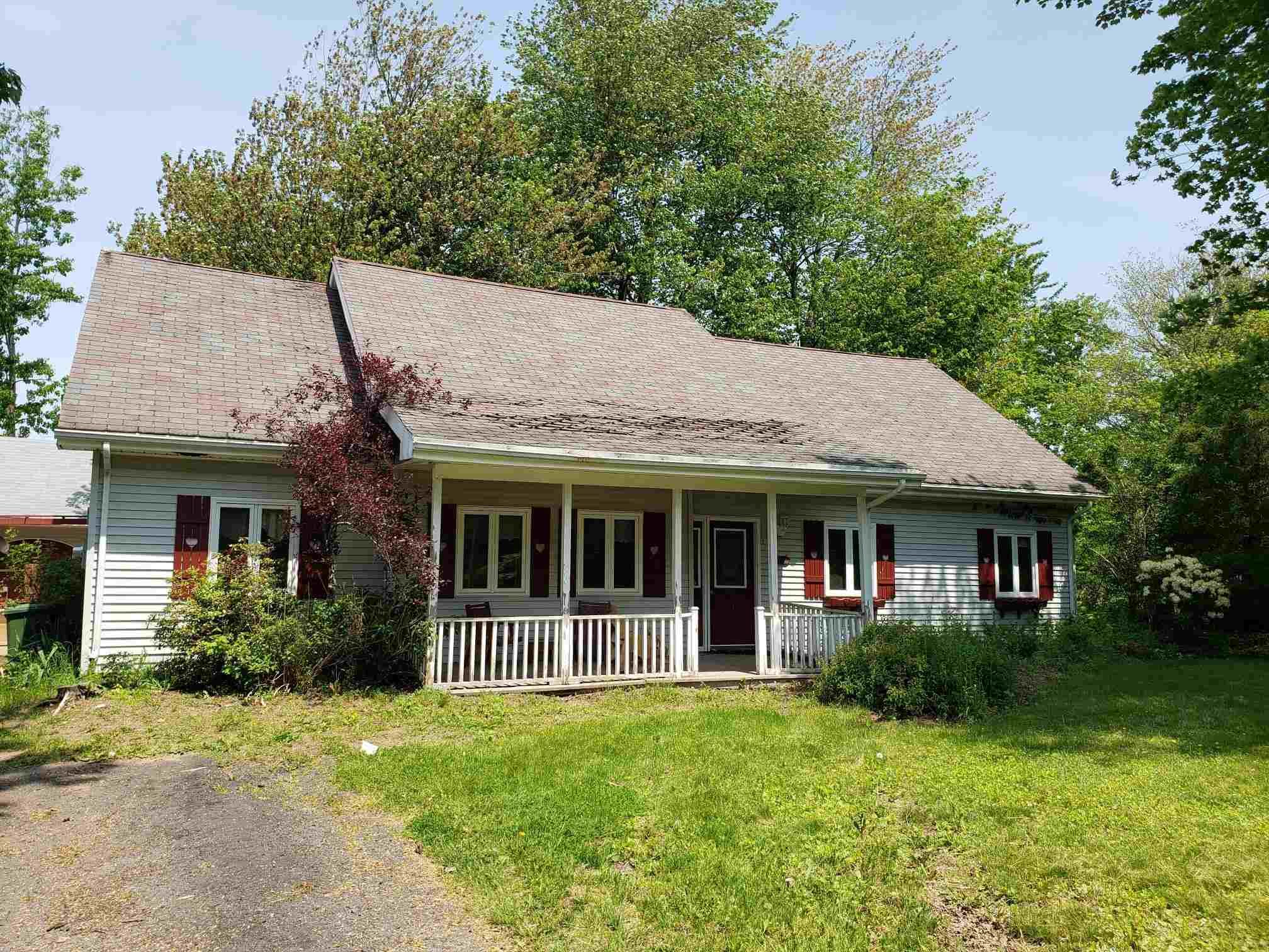 Main Photo: 2761 Poplar Drive in Coldbrook: 404-Kings County Residential for sale (Annapolis Valley)  : MLS®# 202114168
