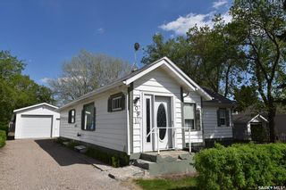 Photo 1: 809 7th Street West in Nipawin: Residential for sale : MLS®# SK848879