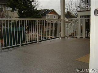 Photo 9: 1 1020 Queens Avenue in BRENTWOOD BAY: Vi Central Park Residential for sale (Victoria)  : MLS®# 305533